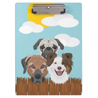 Carpeta De Pinza Perros afortunados del ilustracion en una cerca de