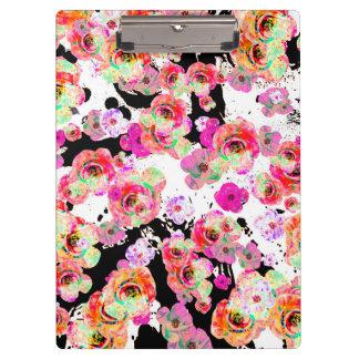 Carpeta De Pinza Primavera rosada y coralina floral en blanco y