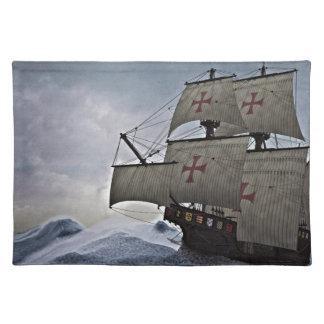 Carrack medieval en la tormenta salvamanteles