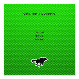 Carrera de caballos verde invitación 13,3 cm x 13,3cm