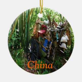 Carro de China en el ornamento de bambú del Adorno Redondo De Cerámica