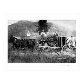 Carro traído por caballo postal