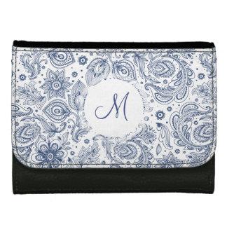 Cartera azul del monograma del estampado de flores