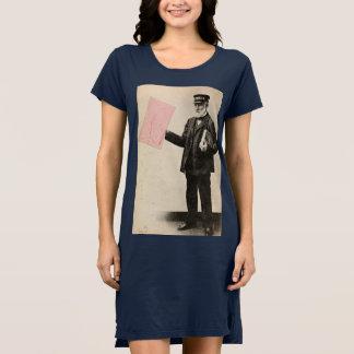 Cartero romántico del vintage vestido