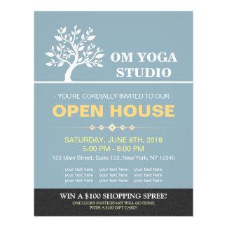 Casa abierta del árbol de la yoga del instructor flyer