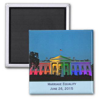 Casa Blanca en luces del arco iris, el 26 de junio Imán