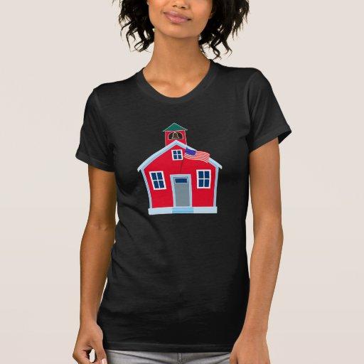 Casa roja de la escuela camisetas