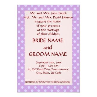 Casando los lunares Ceremonia-Violetas, pique el Invitación 12,7 X 17,8 Cm