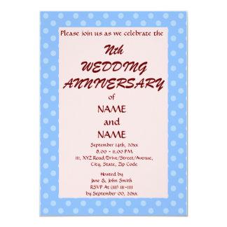 Casando PolkaDots Aniversario-Azul, pique el fondo Invitaciones Personalizada
