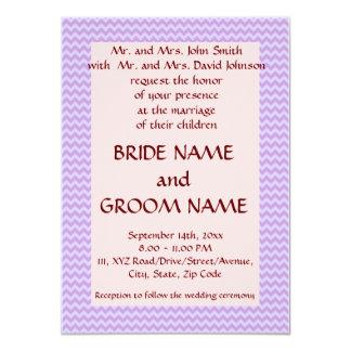 Casandose - el zigzag violeta, pica el fondo invitación 11,4 x 15,8 cm