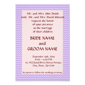 Casandose - el zigzag violeta, pica el fondo invitación 8,9 x 12,7 cm