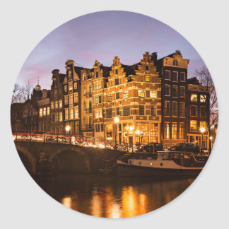 Casas del canal de Amsterdam en el pegatina