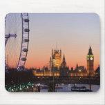 Casas del parlamento y del ojo de Londres Alfombrillas De Ratones