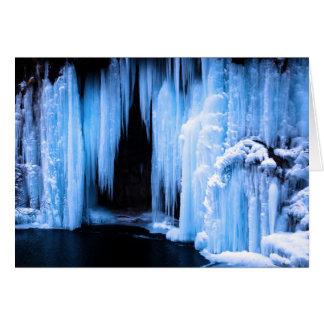 Cascada congelada tarjeta de felicitación