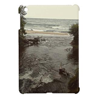 Cascada en la playa