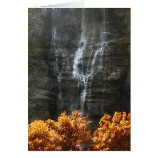 Cascada Tarjeta De Felicitación
