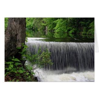 Cascada tranquila tarjeta