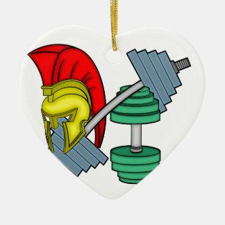 Casco espartano en el equipo del gimnasio adorno navideño de cerámica en forma de corazón