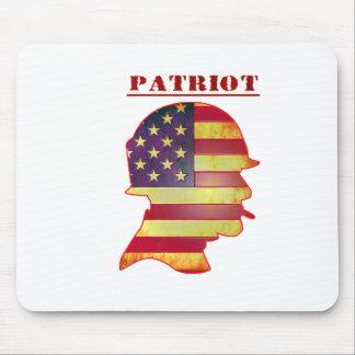 Casco patriótico de los militares de la bandera alfombrilla de ratón