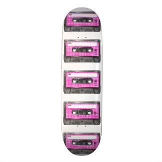 Casete rosado y blanco de la etiqueta de Houndstoo Tabla De Patinar