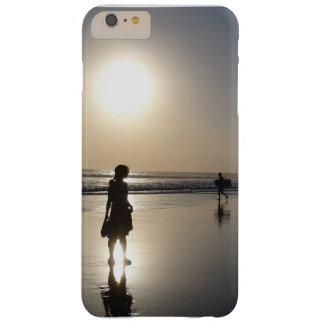 Caso de la puesta del sol de Bali en la playa de Funda Barely There iPhone 6 Plus