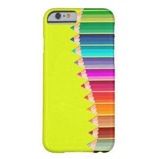 caso del iPhone con los lápices del color Funda De iPhone 6 Barely There