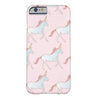 Caso lindo del iPhone de los unicornios Funda Barely There iPhone 6