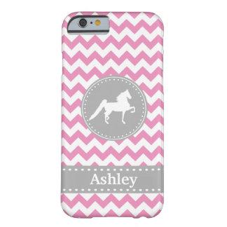 Caso rosado adaptable del iPhone 6 de Saddlebred Funda Barely There iPhone 6