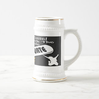 Casquillo blanco del graduado del diploma (varón)  tazas de café