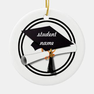 Casquillo blanco y negro de la graduación con el d adorno para reyes