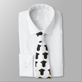 Casquillo de la graduación corbata