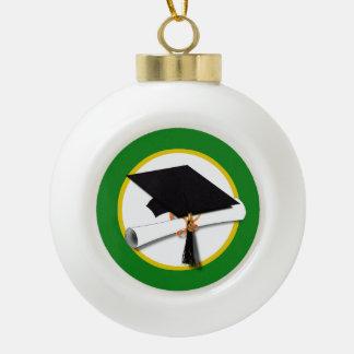 Casquillo w/Diploma - fondo verde de la graduación Adornos