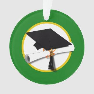 Casquillo w/Diploma - fondo verde de la graduación