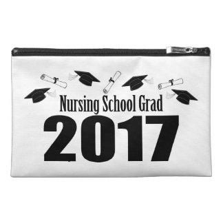 Casquillos y diplomas (negro) del graduado 2017 de