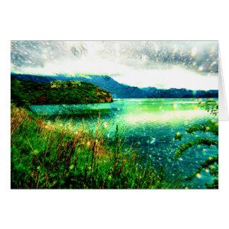 Castillo bonito en el lago fantasy tarjeta de felicitación