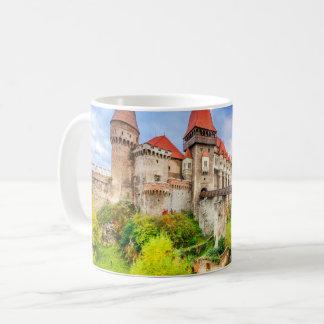 Castillo clásico de Corvin de la taza