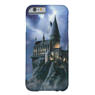 Castillo de Hogwarts en la noche Funda De iPhone 6 Barely There