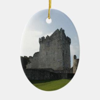 Castillo de Ross, Killarney, Irlanda Adorno Navideño Ovalado De Cerámica