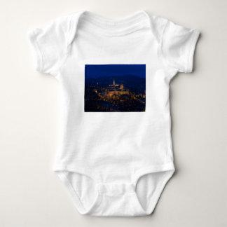 Castillo Hungría Budapest de Buda en la noche Body Para Bebé
