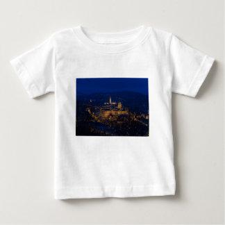 Castillo Hungría Budapest de Buda en la noche Camiseta De Bebé