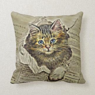 CAT EN el MEWSPAPER, collage del gato del vintage Cojín Decorativo