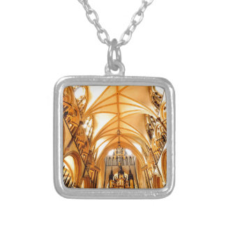 Catedral de Lincoln Collar Plateado