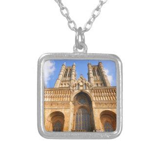 Catedral de Lincoln Collar Plateado