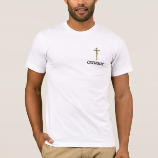 Católico con la camisa cruzada