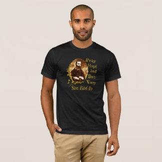 Católico de la camiseta de los santos de la