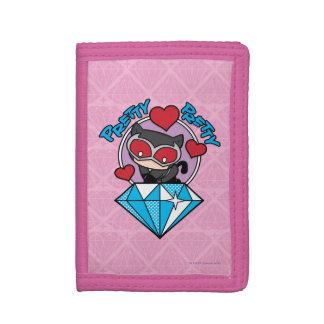 Catwoman de Chibi que se sienta encima de diamante
