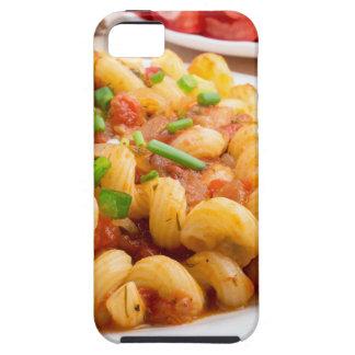 Cavatappi cocinado de las pastas con la salsa de funda para iPhone SE/5/5s