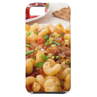Cavatappi cocinado de las pastas con la salsa funda para iPhone SE/5/5s