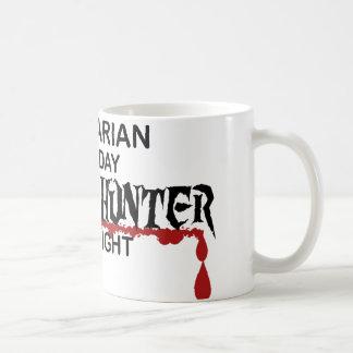 Cazador del zombi del bibliotecario tazas de café