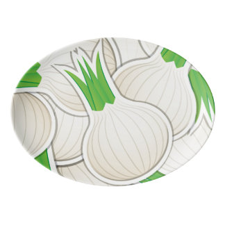 Cebollas blancas enrrolladas bandeja de porcelana